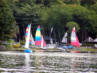 Taal Lake Yacht Club boat facilities and rentals